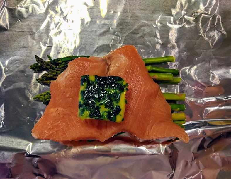 Parsley Lemon Salmon for One | thegreengiraffeeats.com